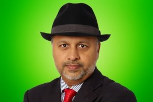 Das ist Nadeem Arif, Geschäftsführer.